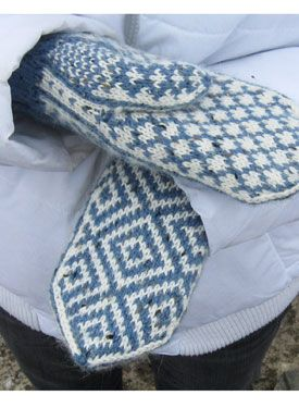 Norwegian style mittens - my Aunt Sigrid used to knit these and ski suits for…