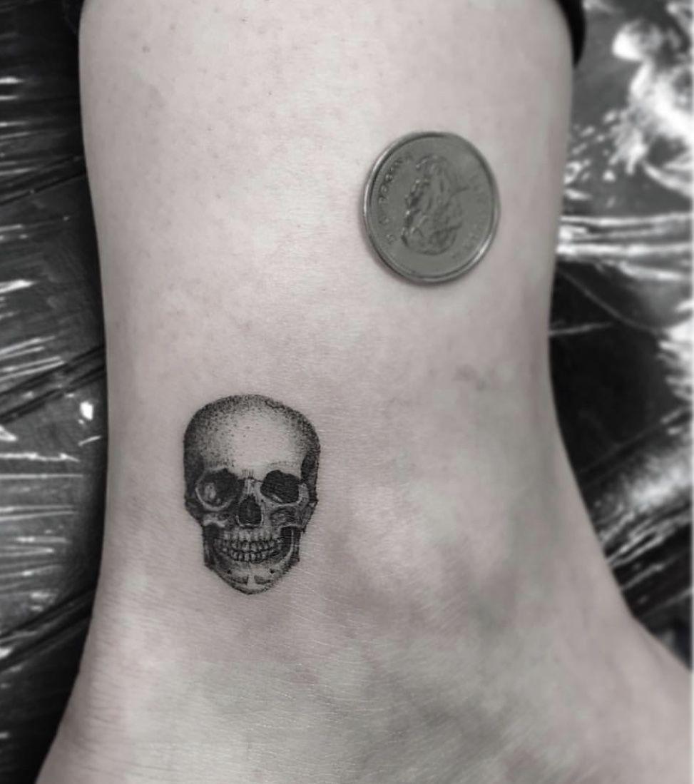 Tiny Skull Skull Hand Tattoo Small Skull Tattoo Tattoos