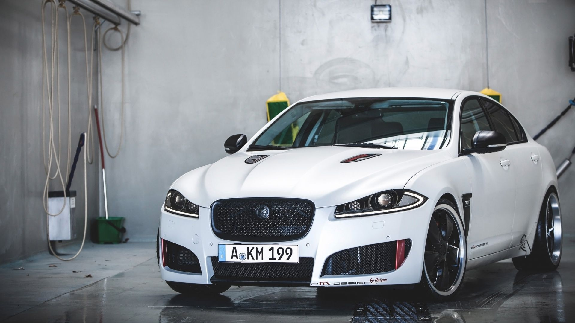 2015 Jaguar XF Supercharged White Wallpaper
