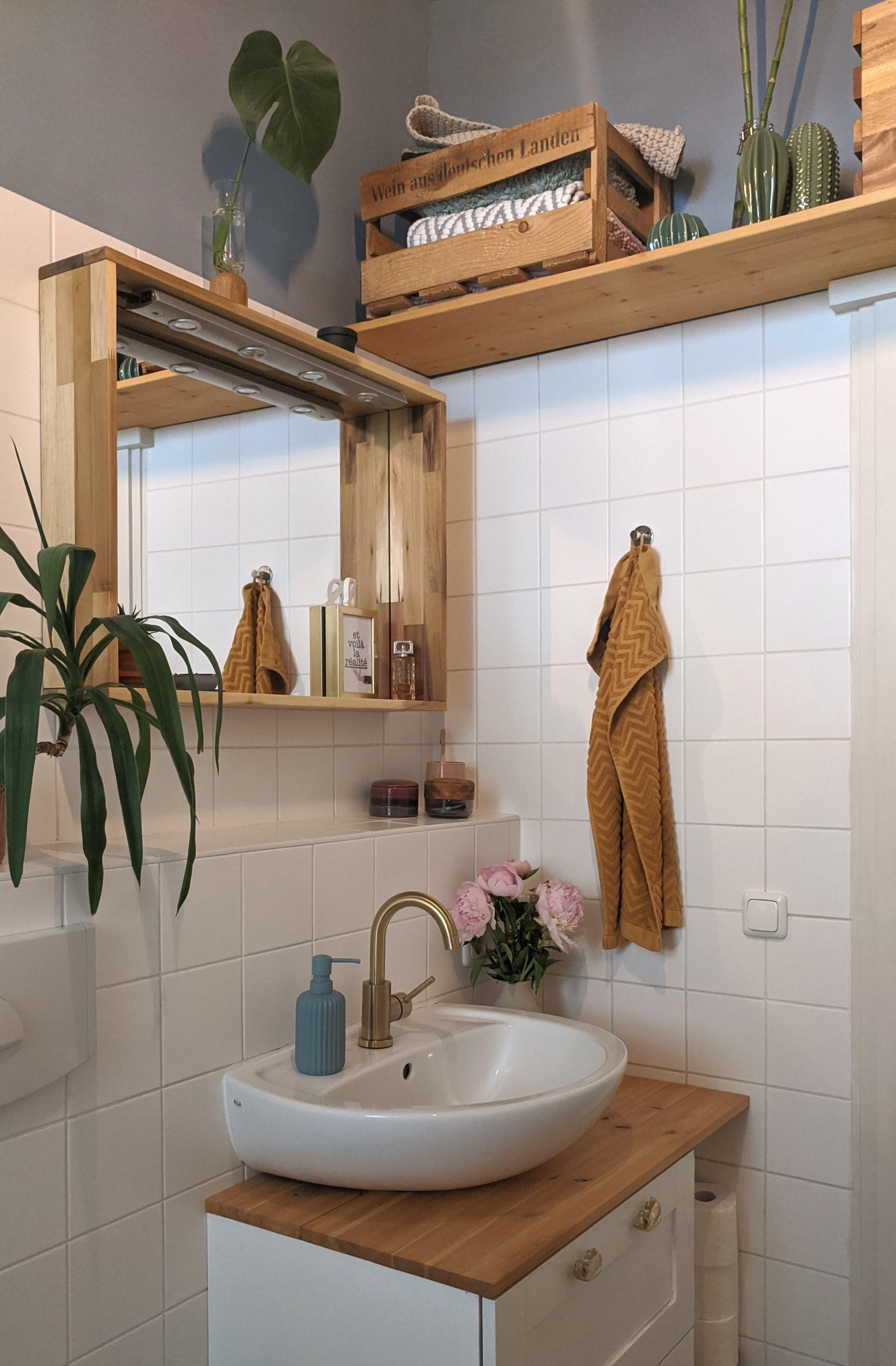 Ich Liebe Unseren Neuen Wasserhahn Kleinesbad Ba In 2020 Badezimmer Holz Wohnung Wohnung Dekoration