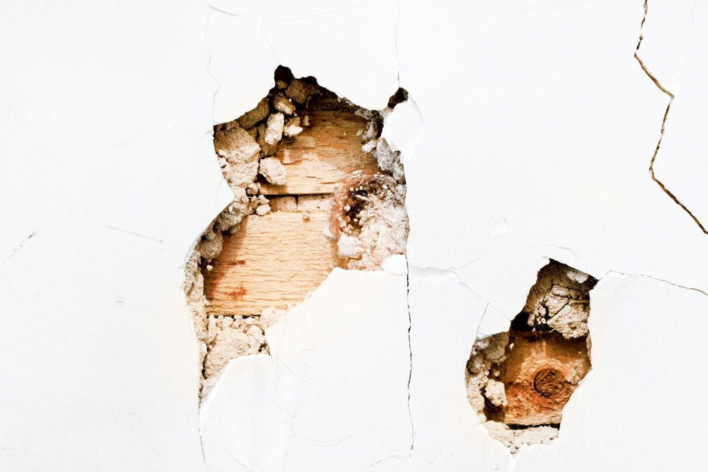 Common Home Repairs You Can Actually Do Yourself Plaster Repair Repairing Plaster Walls Plaster