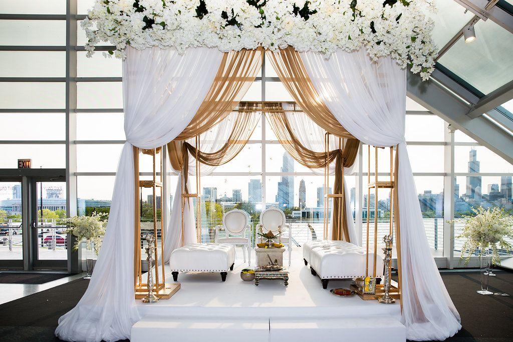 Ceremony city views / Indian Wedding / Summer Wedding