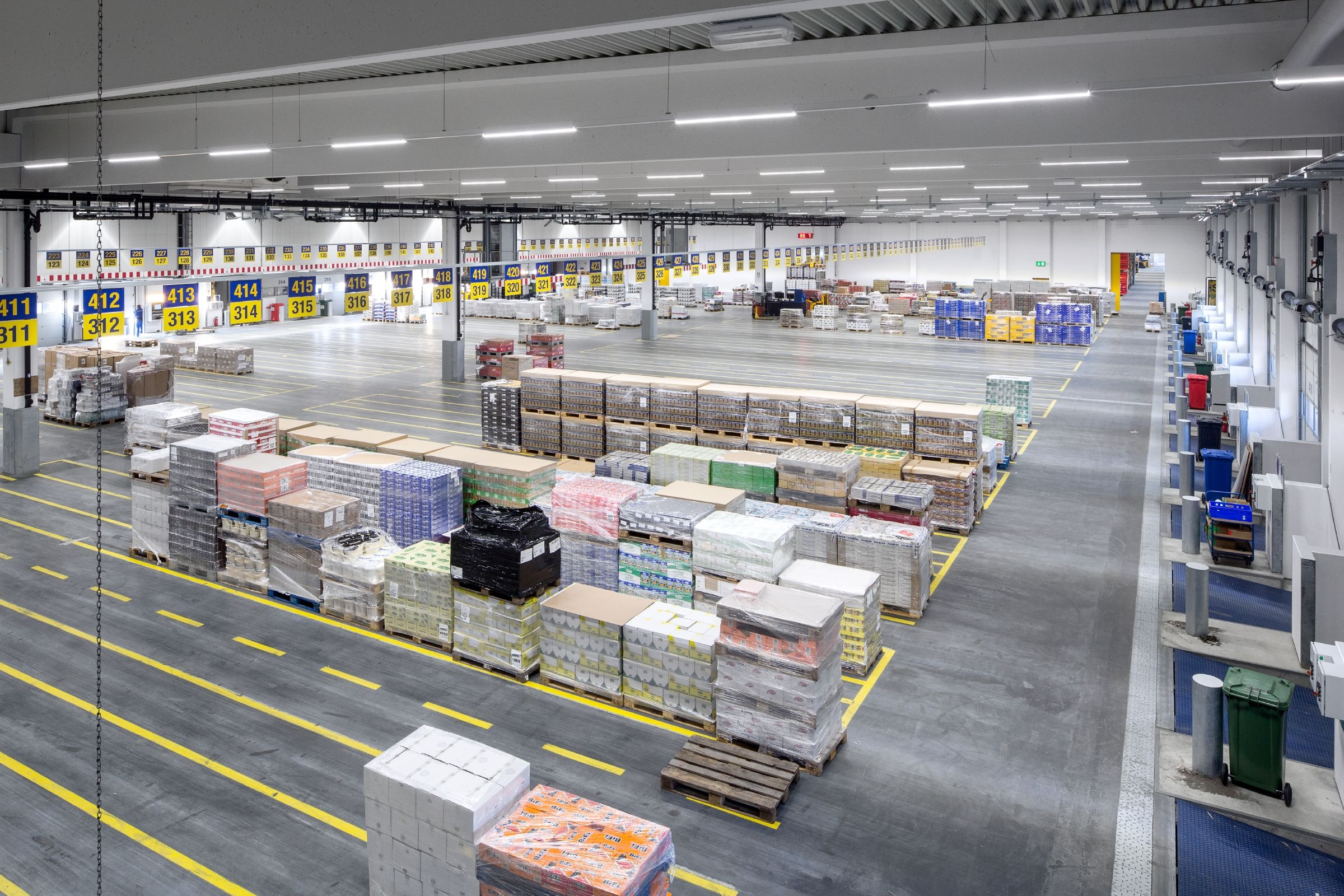 dachser logistic centre berlin germany dachser logistikzentrum berlin deutschland. Black Bedroom Furniture Sets. Home Design Ideas