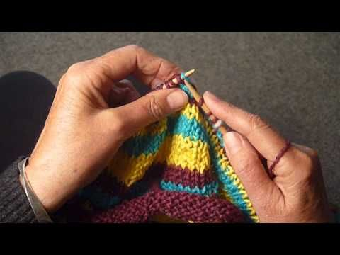 JOGLESS STRIPES METHOD 2 So useful when doing fair isle or stripes ...