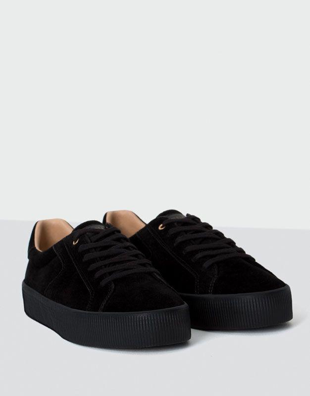 70cc17a38 Bamba piso negro - Zapatillas - Calzado - Mujer - PULL&BEAR España Saltos,  Preto,