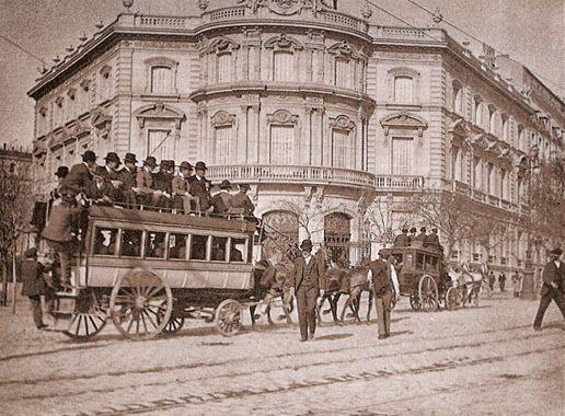 Tranvía dirección Barrio de Salamanca circulando por la actual Plaza de Cibeles año 1880.