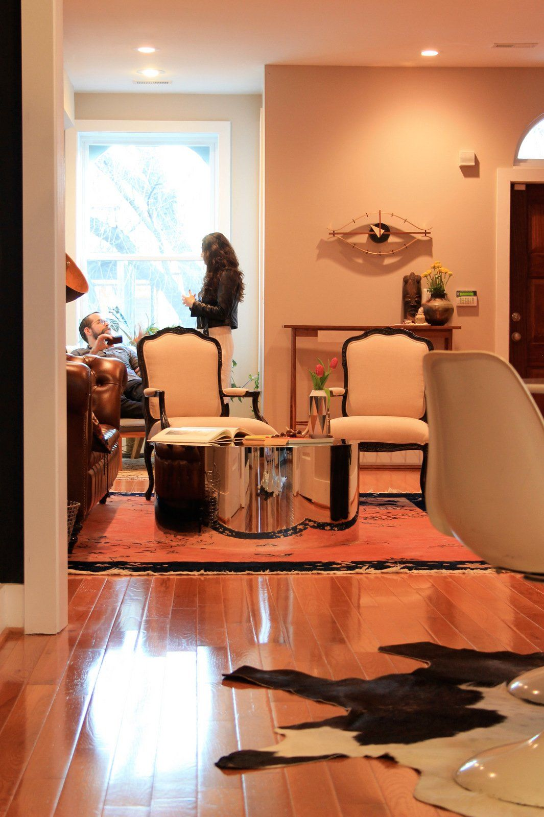 Paint Colors That Match This Apartment Therapy Photo Sw 6628 Robust Orange Sw 2802 Rookwood