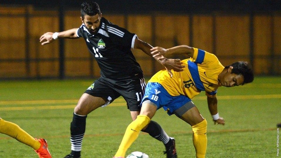A Pair Of Games Await Vikes And Old Rivals Ubc Isn Sports Soccer Team Basketball Teams