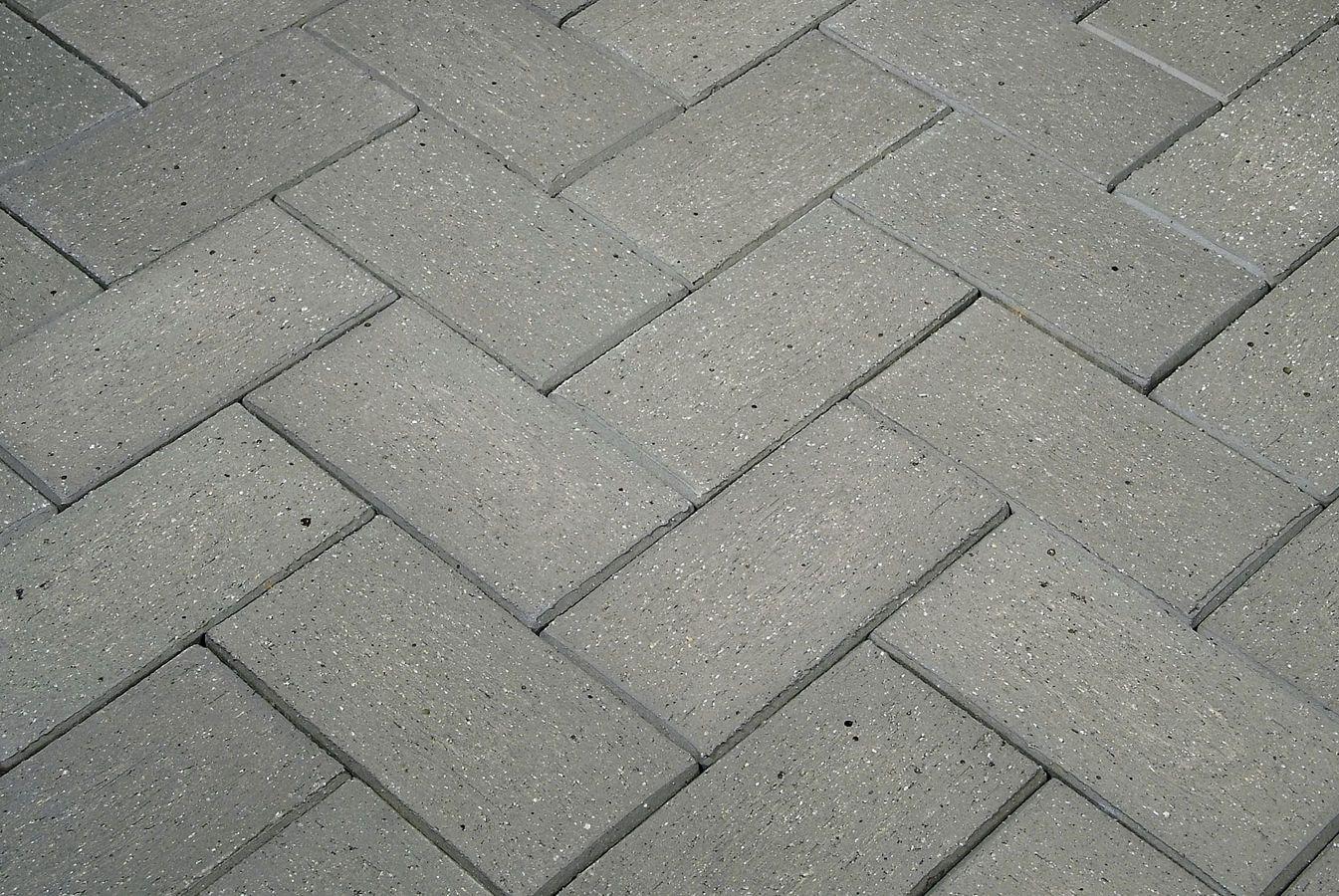 Adoqu n cer mico gris otero la paloma cer micas tipos de for Baldosones de cemento