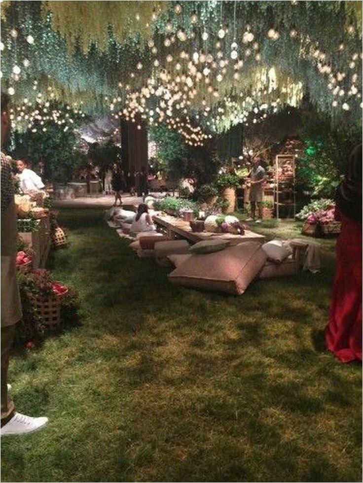 Zauberhafte 67 umwerfende rustikale Hochzeitsdekorationsideen im Freien zu einem günstigen P...