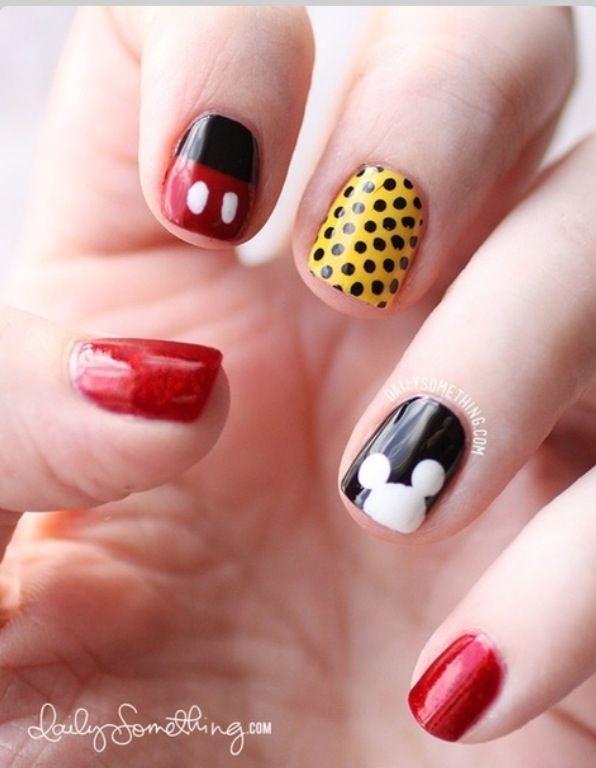 14 Ingenious Mickey Mouse Nail Art Designs   Uña decoradas y Maquillaje