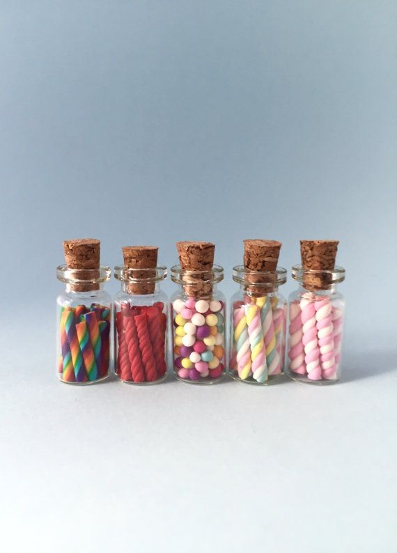 DOLLS HOUSE = Large Jar Of Sweets