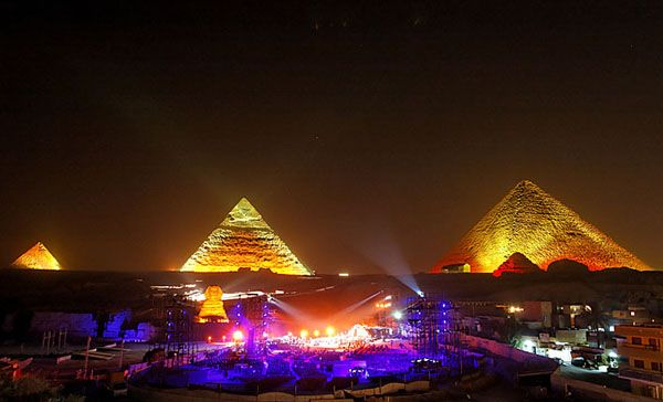 Pin By Alyssa Hodson On 3 Beautifull Places All Over The World Great Pyramid Of Giza Egypt Travel Egypt
