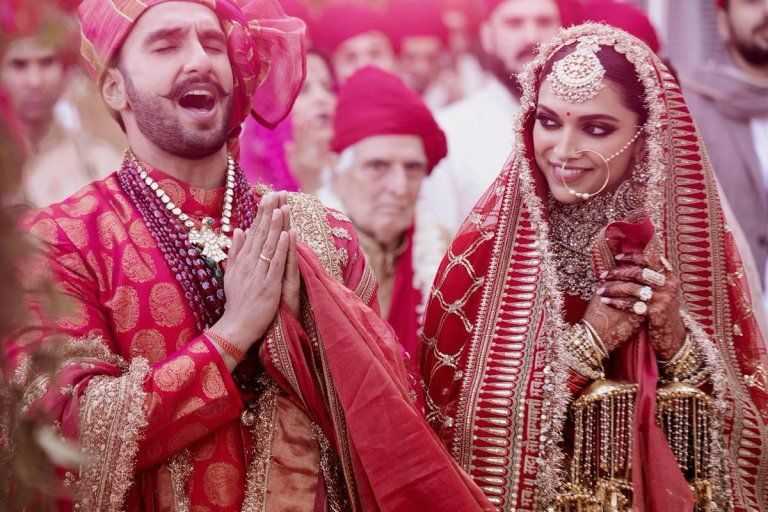 These Gorgeous Pictures Of Deepveer Wedding And Mehendi Would Melt Your Heart Indian Wedding Photography Bollywood Wedding Celebrity Weddings