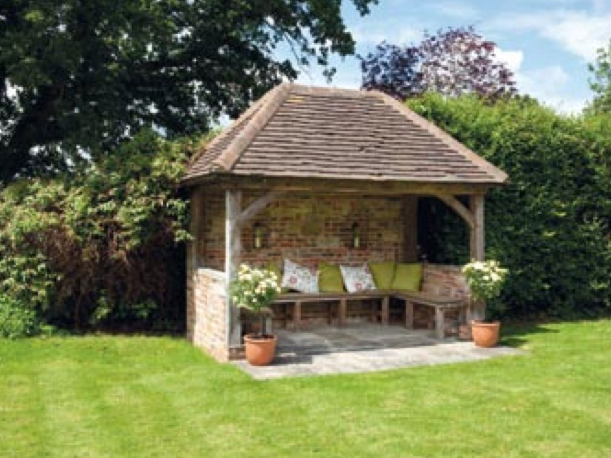 nice little clay tiled building. Repinned by www.claudiadeyongdesigns.com  www.thegardenspot.co.uk