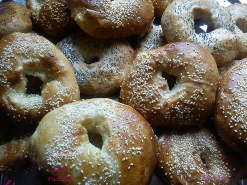 Przepis Na Domowe Bajgle Kuchnia Zydowska Domowe Pieczywo Food Bagel Desserts