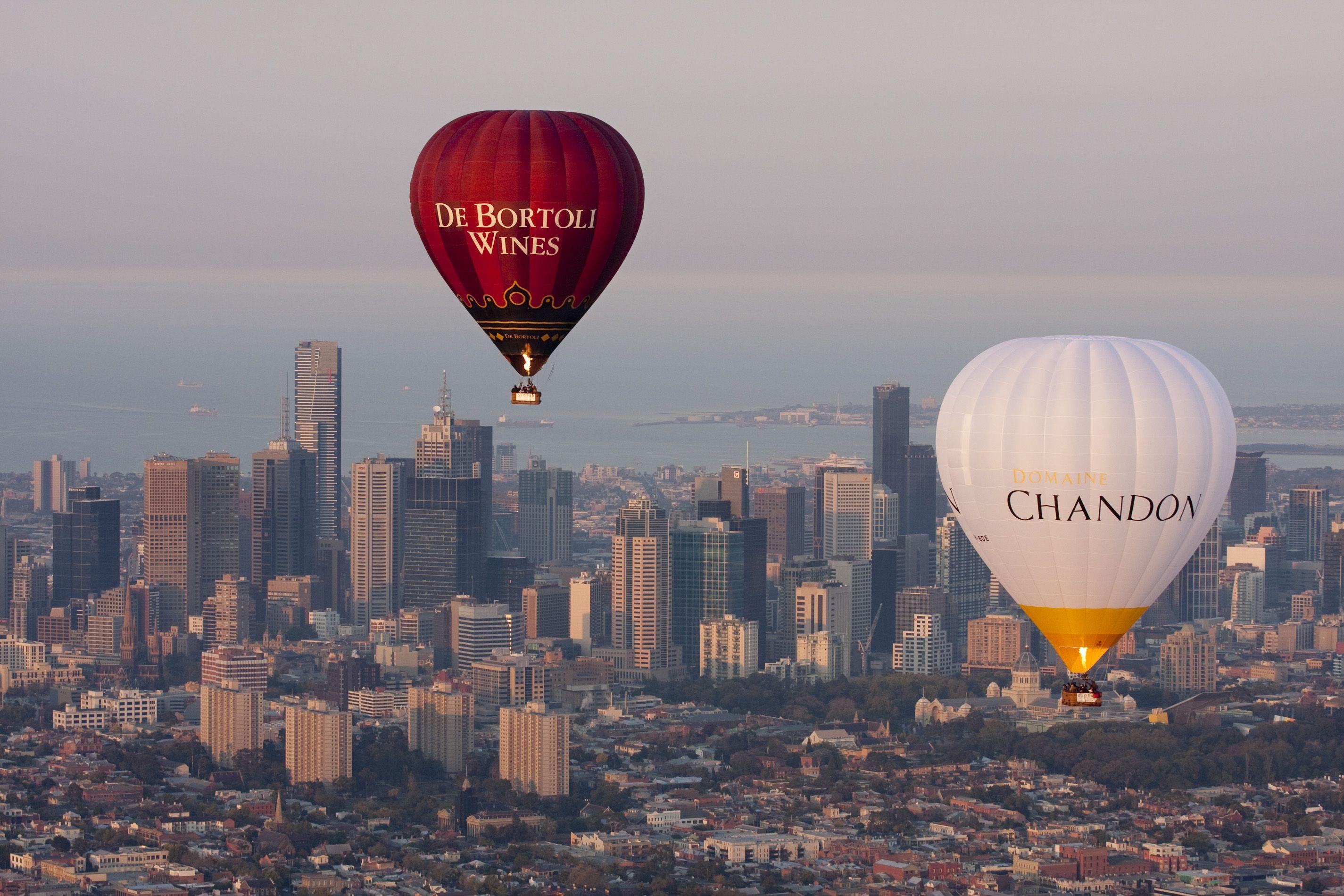 Flying over Melbourne. goglobal globalballooning