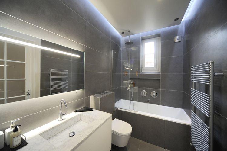 Salle de bains gris et blanc Idées salle de bain Pinterest