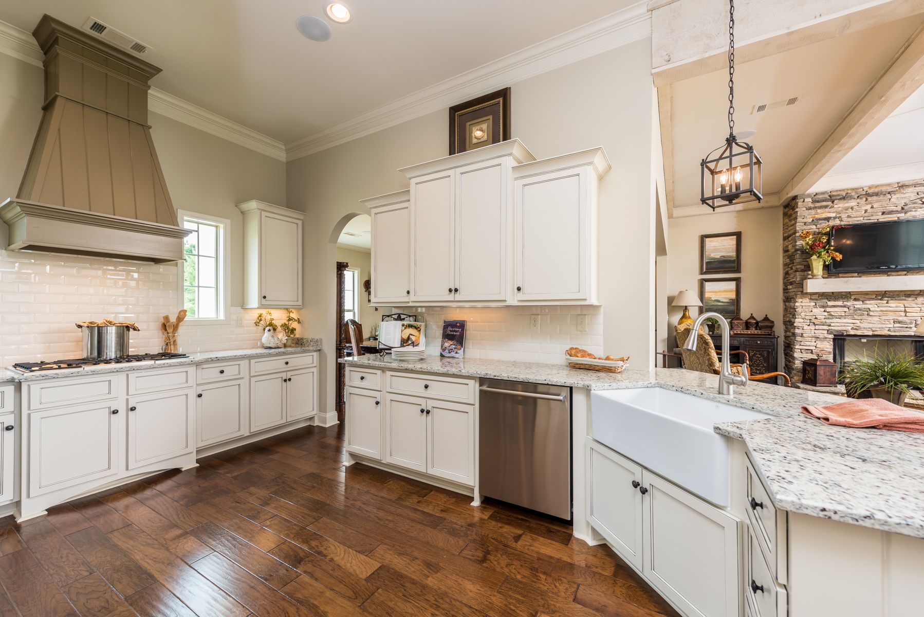 Beautiful Kitchen With White Subway Tile And Custom Built Cabinetry Stunning Home Kitchens Magnolia Homes Home Builders