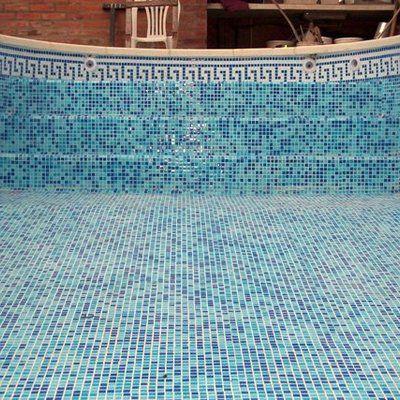 Construccion de pileta de natacion con venecitas fuentes for Construccion de albercas precios
