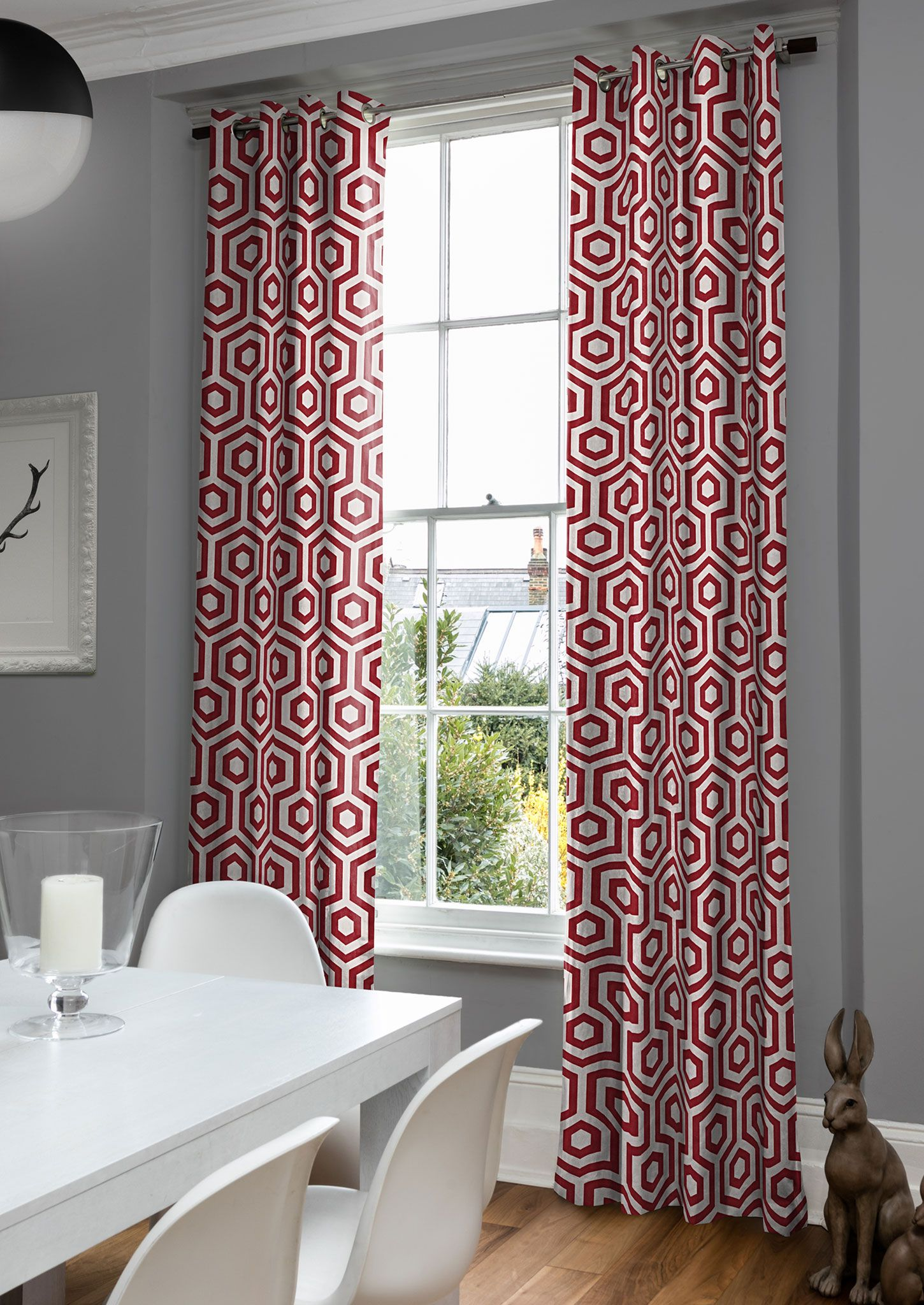 Moderne Pendant Geometric Curtains In Red And White With A Eye Catching Honeycomb Pat Curtains Living Room Red And White Curtains Pattern Curtains Living Room
