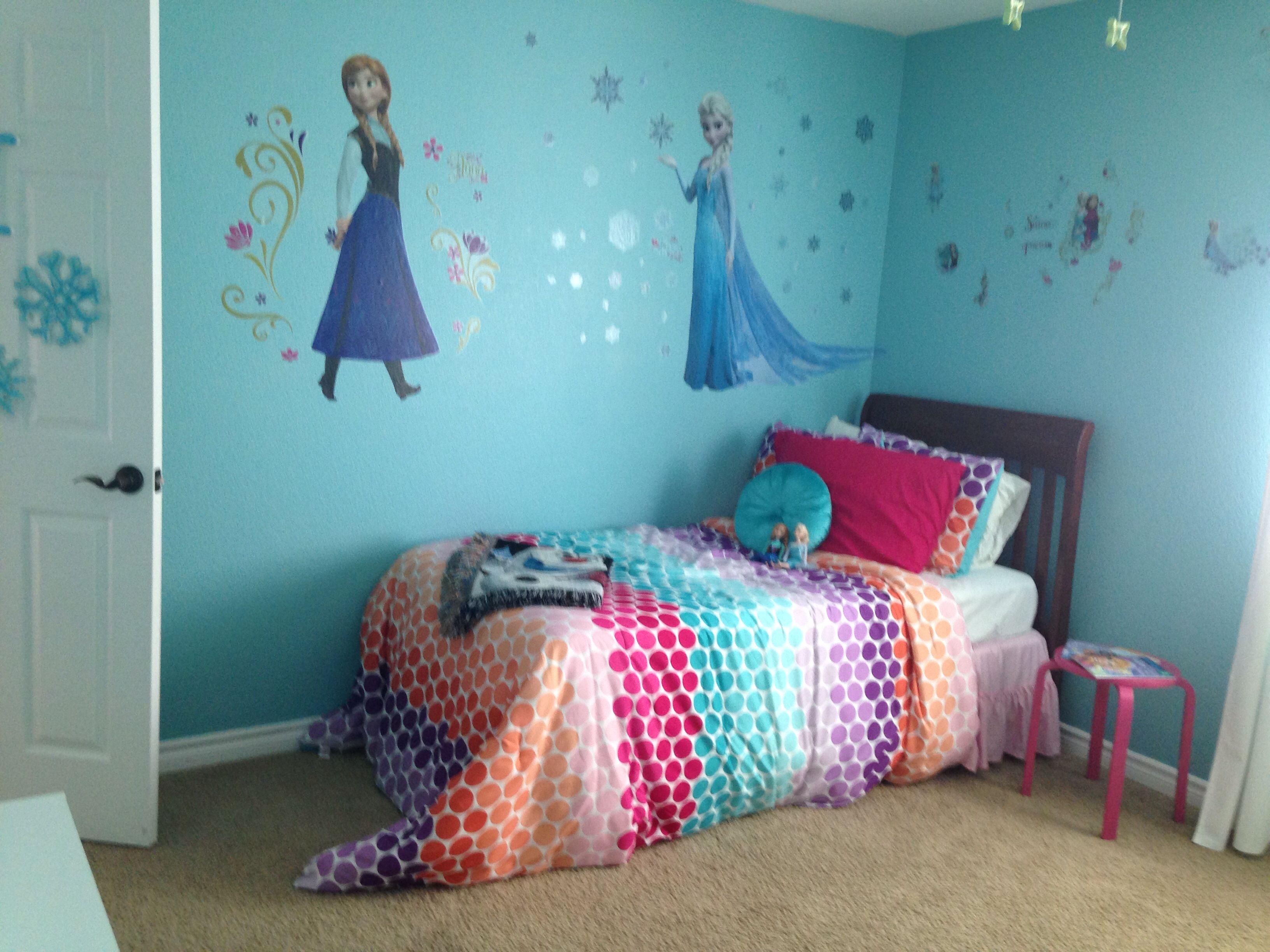 Frozen inspired bedroom - Disney S Frozen Inspired Bedroom Wall Decals