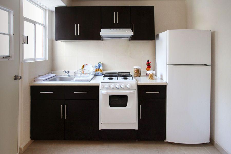 Pin de hghjgjhg en decoraci n de casas infonavit for Diseno de cocina integral casa pequena