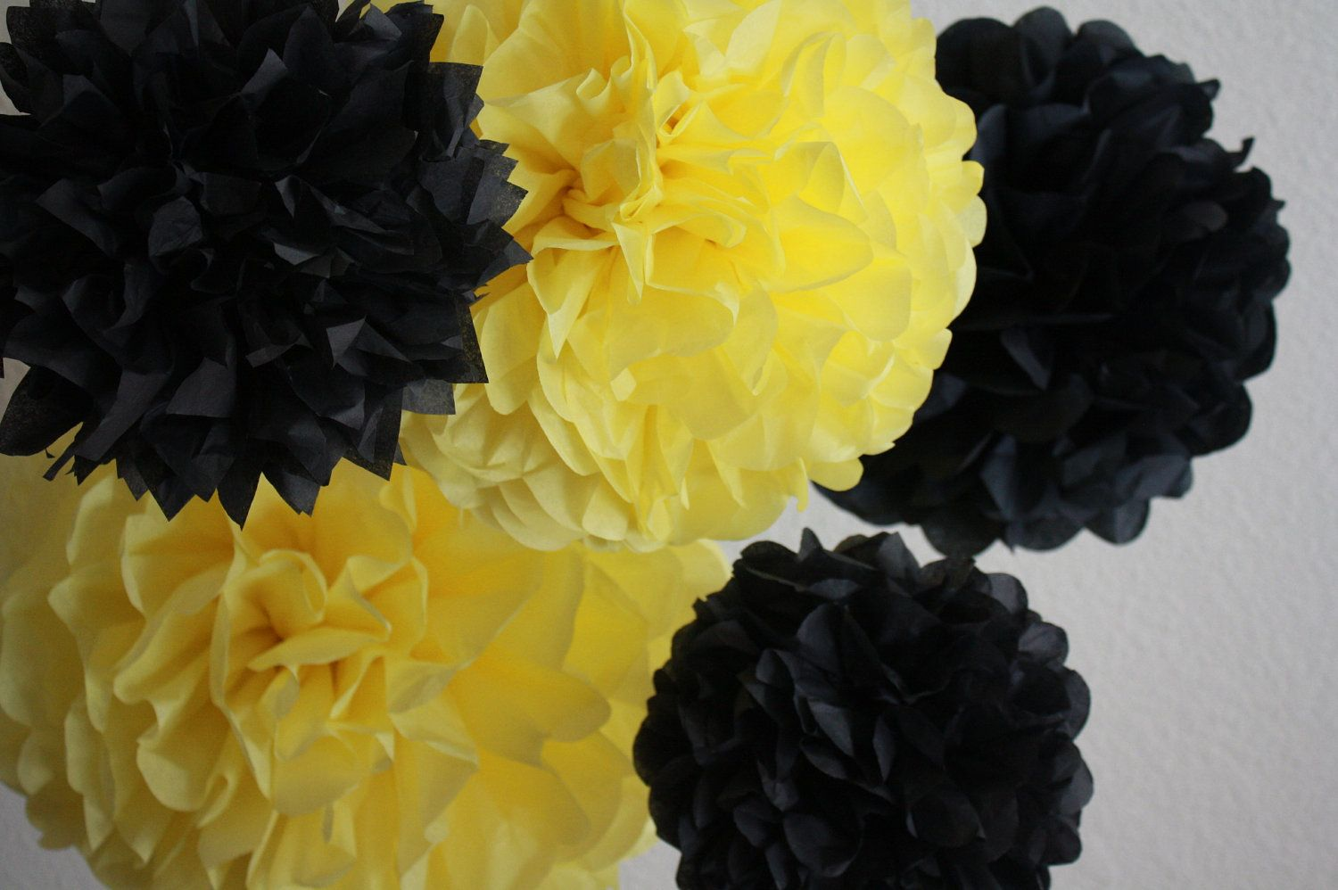 bumble bee party paper pom pom i like the yellow colour pompom