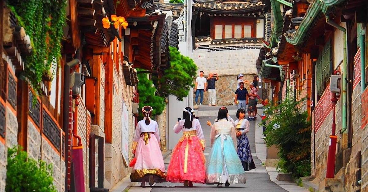 6 Essential Tips For Korea Trip Korea Travel Bukchon Hanok Village Restaurant Week