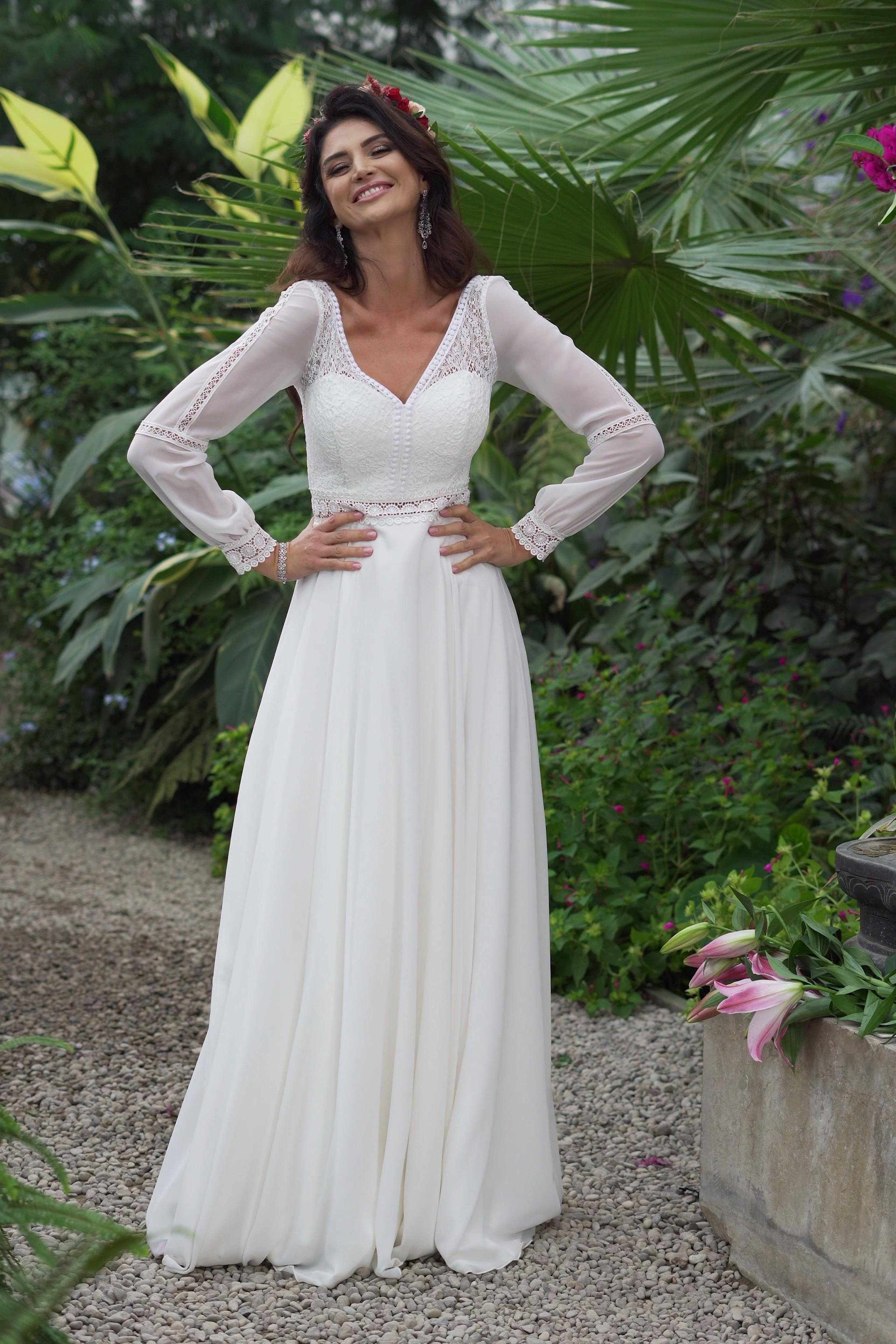 Suknia Slubna W Stylu Boho Z Dlugim Rekawem Layla Nowa Kolekcja Pracowni Dama Coutu Video Wedding Dress Long Sleeve Western Style Wedding Dress Best Wedding Dresses