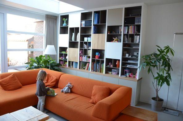 Moderne maatwerk boekenkast van www.oock.nl deze kast is weer