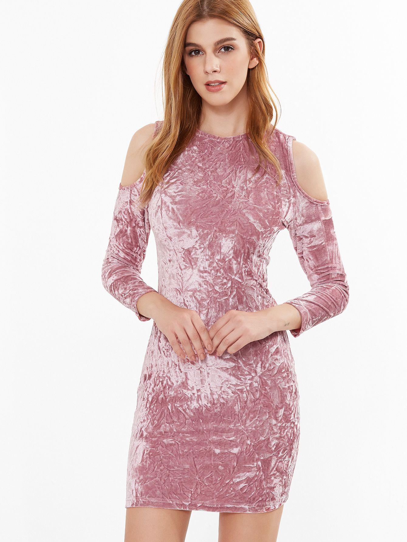Vestido ajustado de terciopelo con hombros al aire - rosa ...