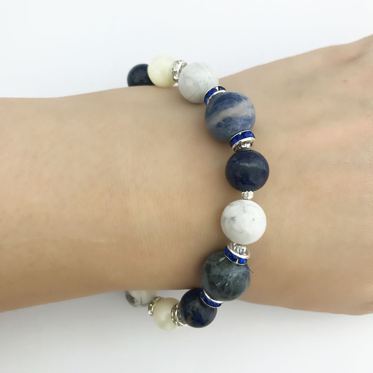 Healing Gemstone Howlite Bracelet W//Hematite Gold Buddah /& Antique Spacer