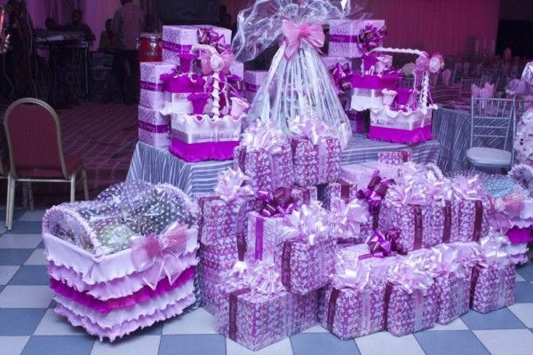Customary Wedding Gift: Purple: Customary Gifts From The Groom To The Brides