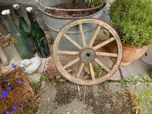 Vintage deko altes wagenrad shabby ein designerst ck - Wagenrad dekorieren ...