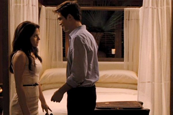 Bella & Edward Did It Here: Twilight Breaking Dawn Bed in ...