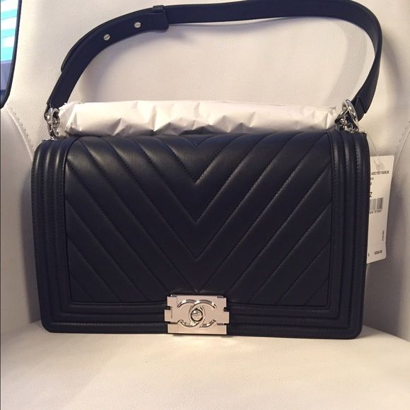 f42b7fa8e2078a ✨Brand new✨ NEW MEDIUM Chanel Boy bag Brand new with tags and everything!  Black with Silver Hardware. New medium, Calfskin leather More pics for  serious ...