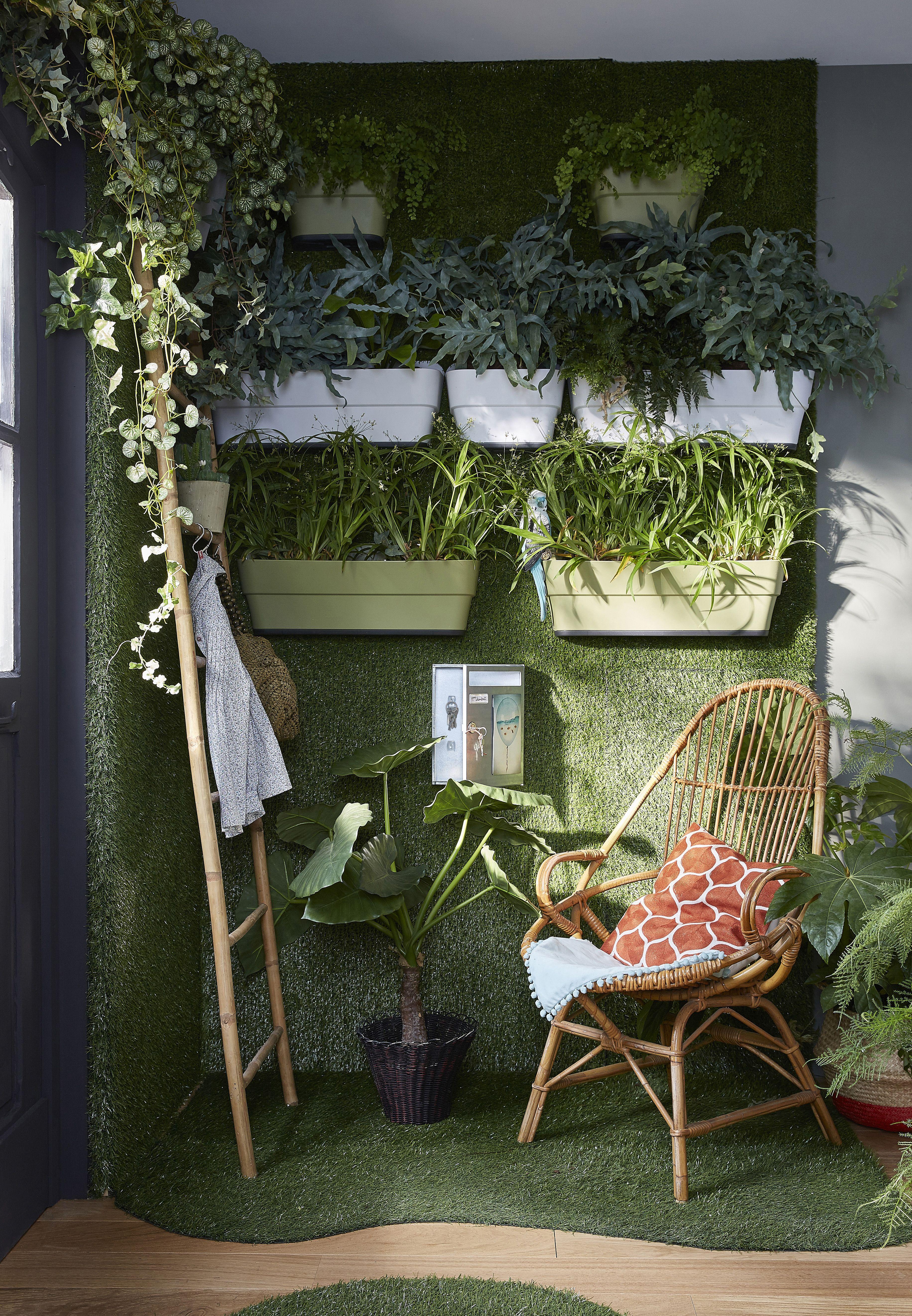 offrez vous un jardin en int rieur en osant un mur v g tal r alis avec des vraies plantes. Black Bedroom Furniture Sets. Home Design Ideas