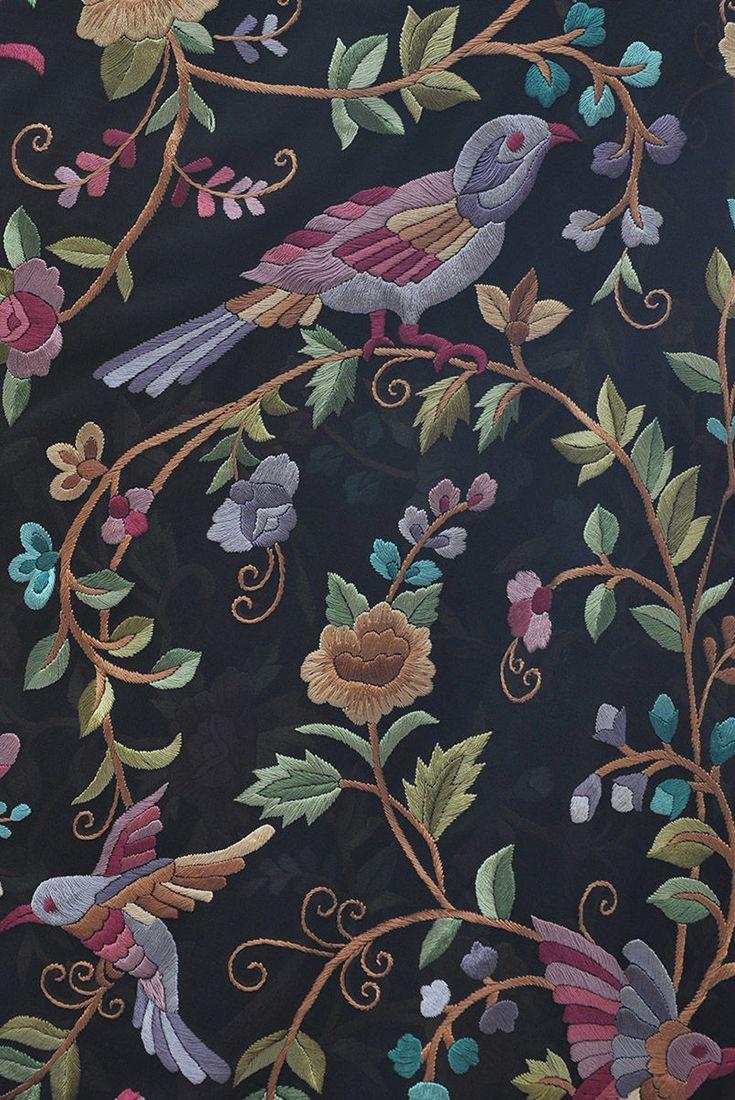 Preorder masterpiece black hand embroidered parsi gara птицы в