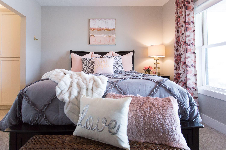 Pin On Teen Girl S Blush Pink Bedroom