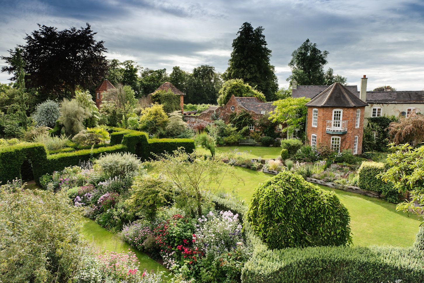Cottage garden google suche dream house garden pinterest cottage garden google suche garden stonesstone housescottage workwithnaturefo