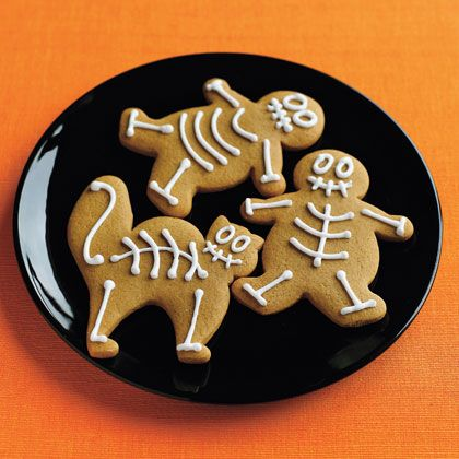 Halloween - Use gingerbread man cookie cutters to make skeleton cookies