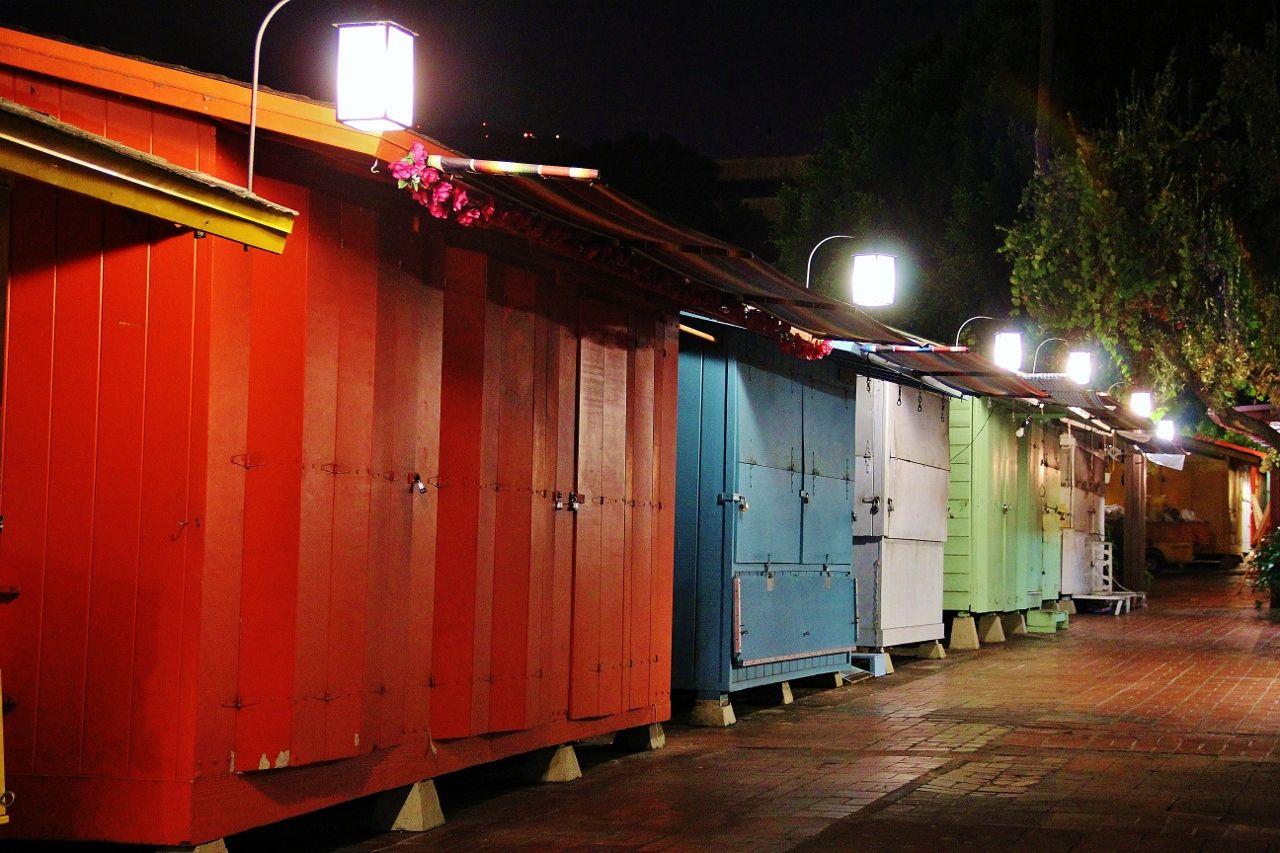Olvera street deserted vendor stalls!