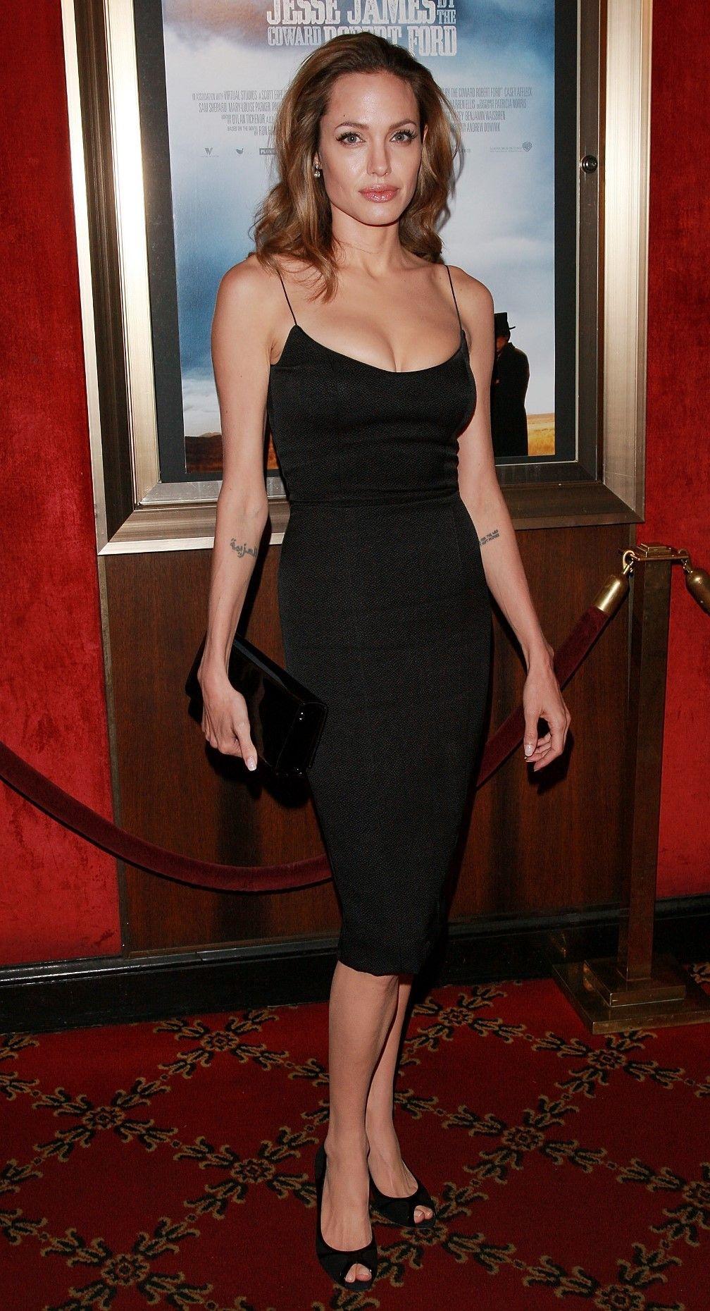 Pin von Fashion Dolling auf Angelina Jolie   Pinterest
