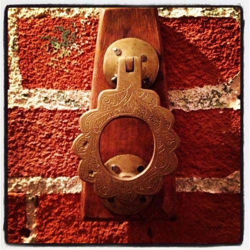 JUNKS Got Great Knockers Make Any Door Special With This Fabulous Vintage DOOR KNOCKER Mounted