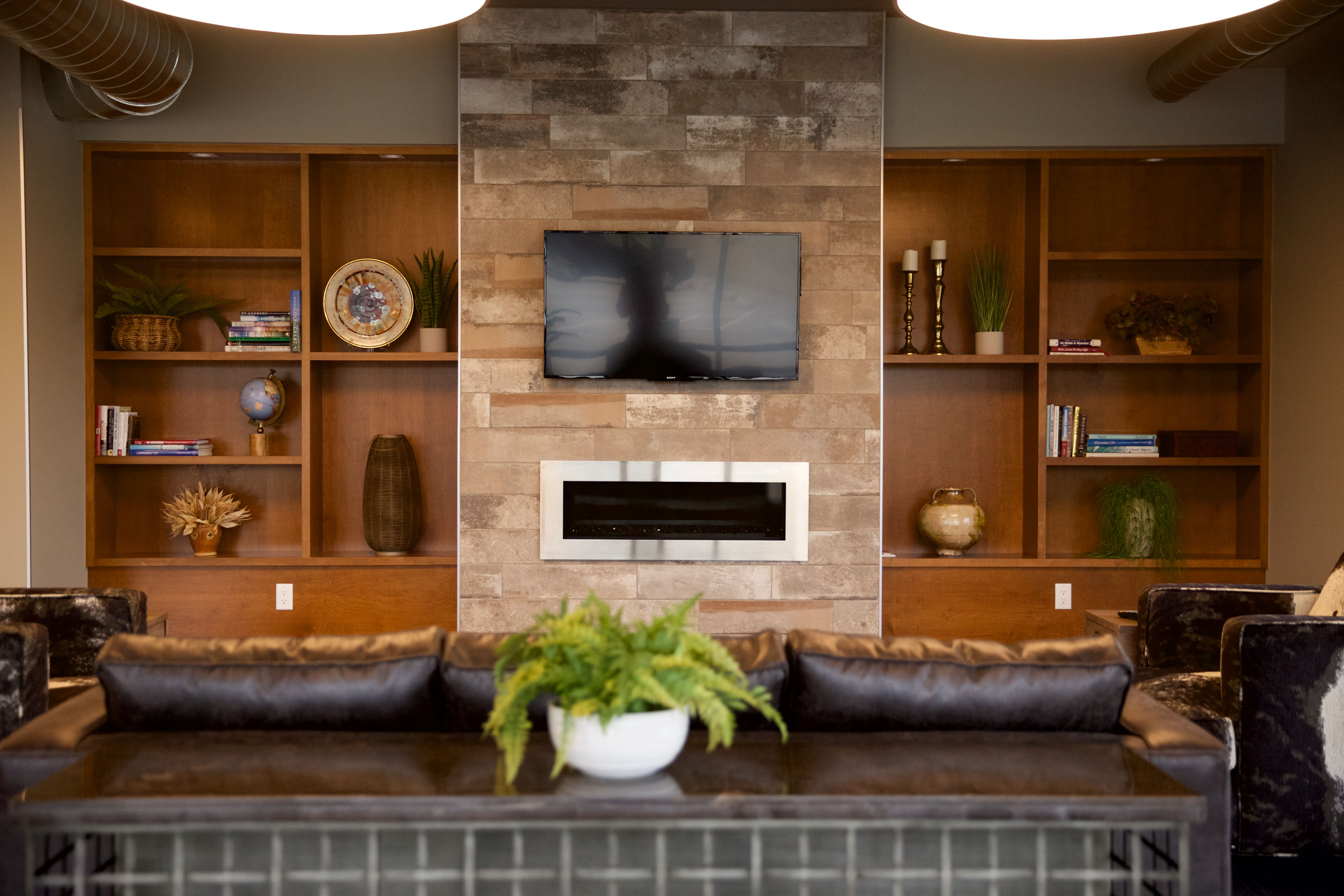 Remarkable The 2100 Urband Residence Milwaukee Wi Builder Altius Home Interior And Landscaping Spoatsignezvosmurscom