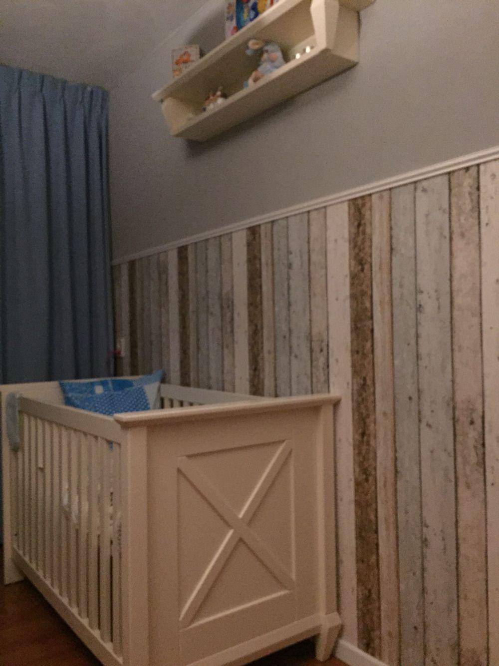 Muur met steigerhout behang | Steigerhout behang slaapkamer ...
