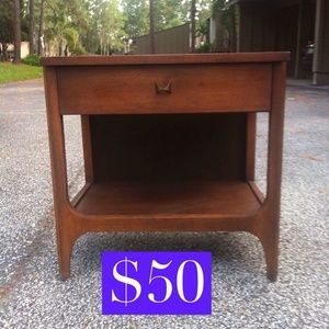 Side table nightstand midcentey modern in Orlando, FL (sells for $50)