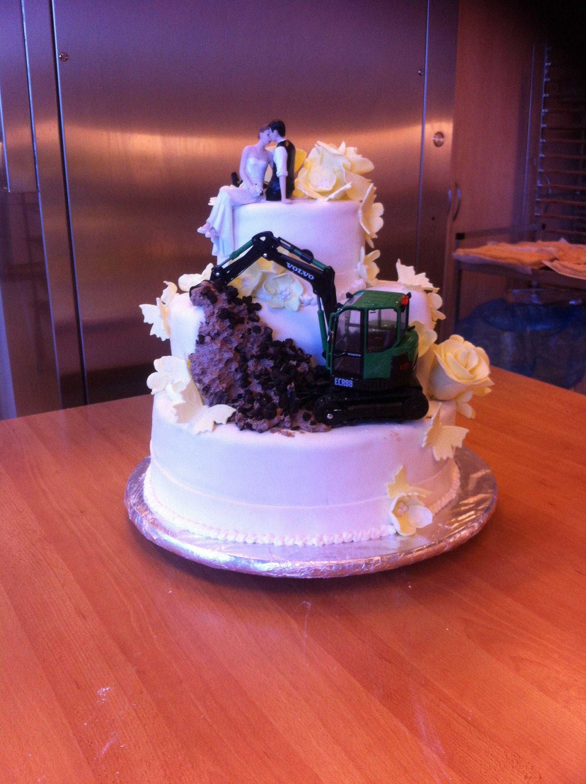 Weddingcake for gardener and wife. Funny wedding cake