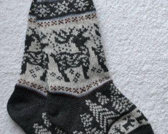Norwegian Scandinavian Hand Crafted 100% wool SOCKS, Medium / Large , folk art, REINDEER, Fair Isle
